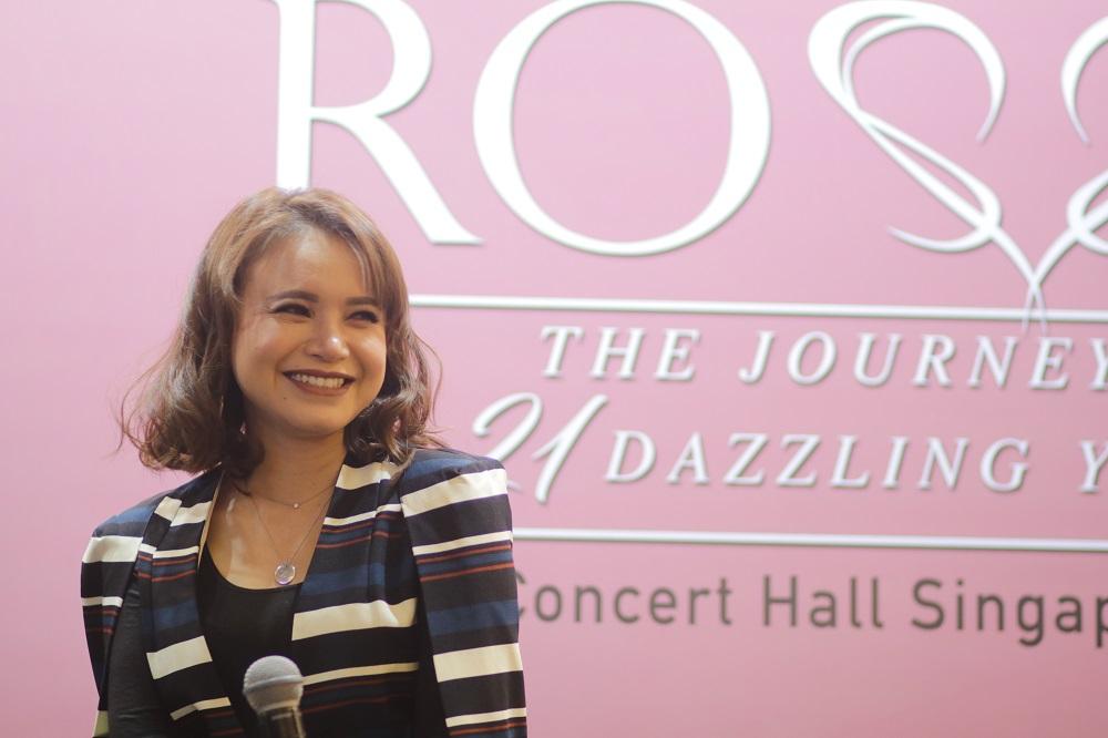 Persiapan Konser Tunggal Rossa di Singapura