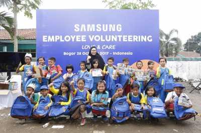 Karyawan Samsung Perbaiki Sekolah di Bogor