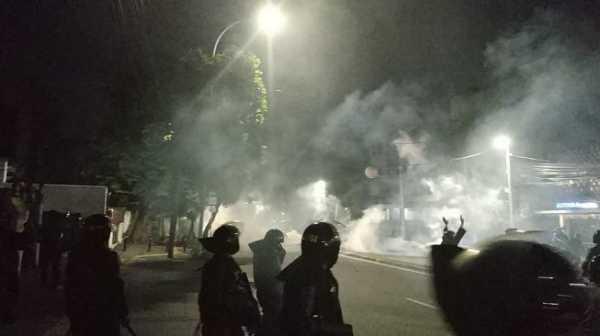 Kerusuhan 22 Mei: Jakarta Rusuh, Netizen Serukan #TangkapPrabowo dan #SaveIndonesia