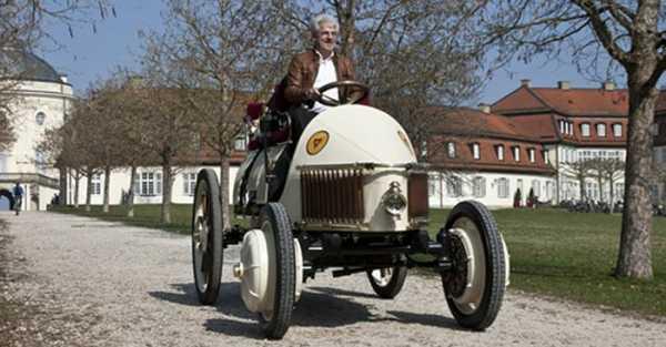 Porsche Produsen Mobil Hybrid Pertama Dunia