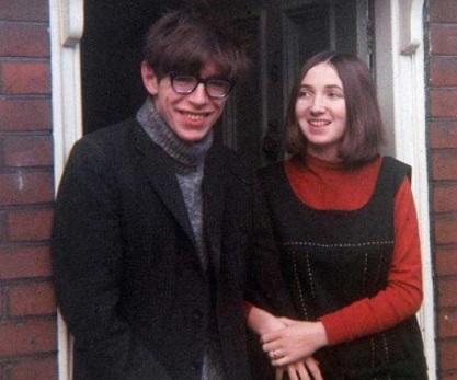Mengenal Cinta dari Kisah Hidup Stephen Hawking dan Jane Wilde