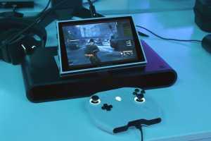 Semakin mirip Switch, Dell Alianware juga bisa dipindahkan ke layar lebih besar (Foto: Arstechnica)