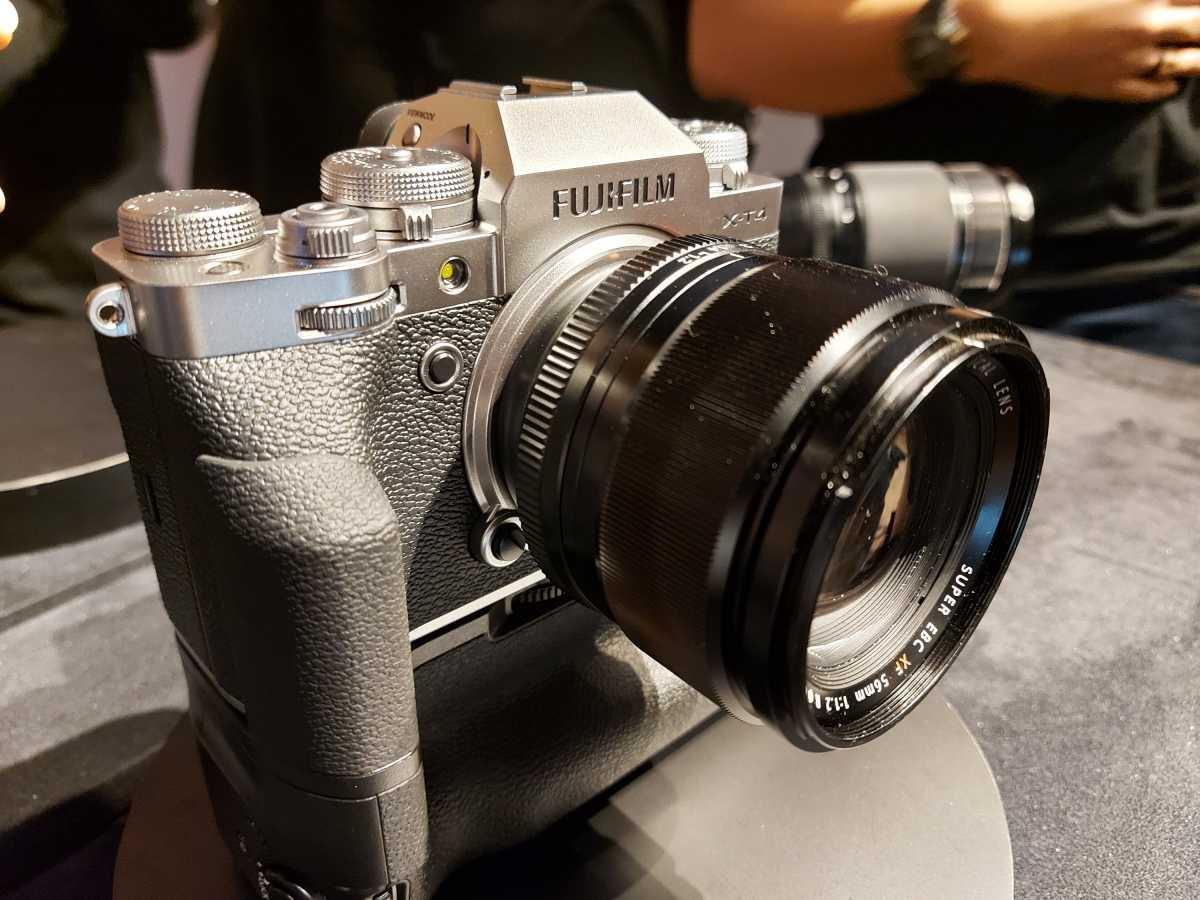 5 Keunggulan Kamera Mirrorless Fujifilm X-T4