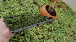 Bisa dimanfaatkan untuk aktivitas sehari-hari di rumah dan sekolah online, Galaxy A7 punya 4 speaker di tiap sisi dari Dolby Atmos. Cocok nih untuk video call dan streaming film.