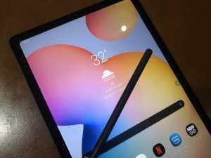 Ditenagai prosesor Exynos 9611 dan baterai 7.040 mAh, tablet ini dibanderol mulai Rp6,9 juta.