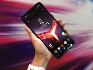 Ini dia, ROG Phone II. Layarnya 6,59 inci dengan proteksi Gorilla Glass 6.