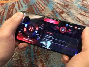 Asus membanderol ROG Phone II ini seharga Rp8,49 juta.