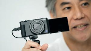 Kamera pocket digital terbaru ZV-1 dirancang untuk pengambilan video kasual, sehingga memudahkan para pemula dan penggemar videografi kasual untuk merekam momen sehari-hari dan membagikannya di media sosial. (Foto: Dok. Sony)