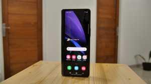 Bisa dibilang ini adalah ponsel termahal di Indonesia, sebab harganya mencapai Rp33,88 juta.