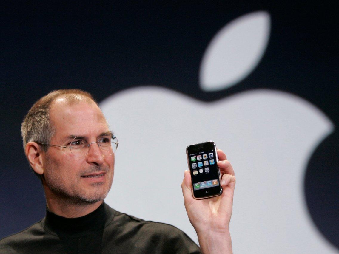Apple Tunda Peluncuran iPhone 12