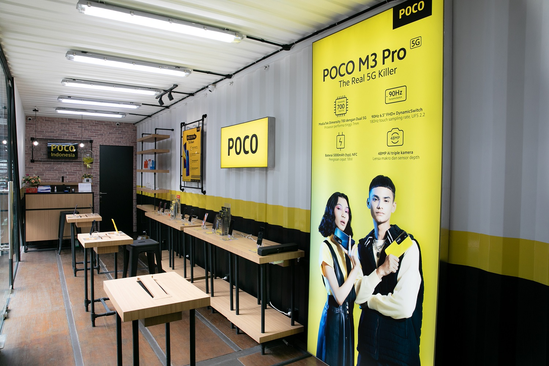 Interior POCO Store