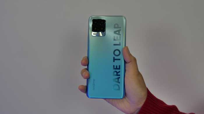 FOTO: Lihat Bodi Realme 8 Pro yang Lebih Segar