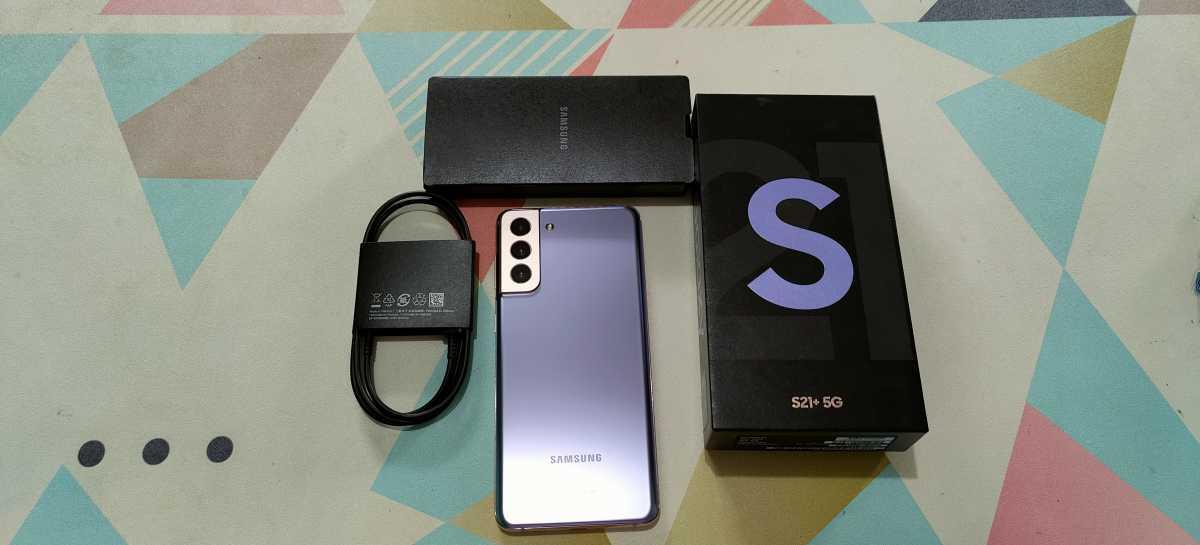 Fix! Semua Ponsel Baru Samsung Dijual Tanpa Kepala Charger