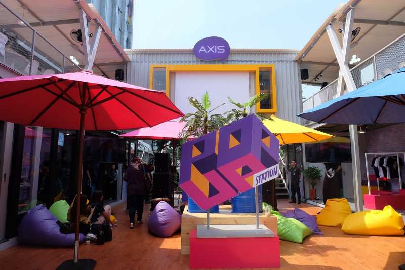 Butuh Workspcace Gratis? Milenial Bisa Kunjungi Pop-Up Station yang Seru Ini