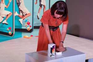 Galaxy A50 terdiri dari dua varian harga. RAM 4GB dan memori internal 64GB dibanderol Rp4,09 juta, sedangkan RAM 6GB memori internal 128GB dijual Rp4,89 juta.