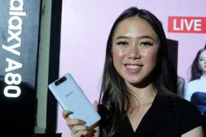 Menggunakan prosesor Snapdragon 730G dan baterai 3.700 mAh fast-charging, ponsel ini dilepas di pasaran Rp,49 juta.