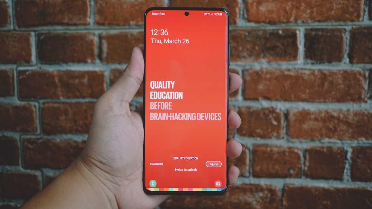 Samsung Patenkan Ponsel dengan Indikator Status pada Punch Hole