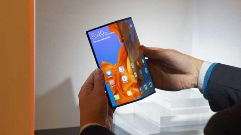 FOTO:  Mate X, Ponsel Lipat Huawei