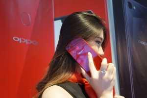 Oppo F7 yang baru dirilis di Indonesia.(Hani Nur Fajrina/Uzone.id)