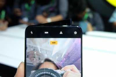 Kamera Ponsel Bisa Zoom 10x, Apa Faedahnya?