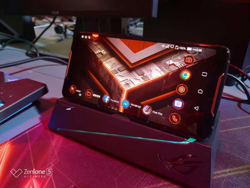 Gamers Bakal Ngiler dengan Ponsel ROG dari Asus Ini