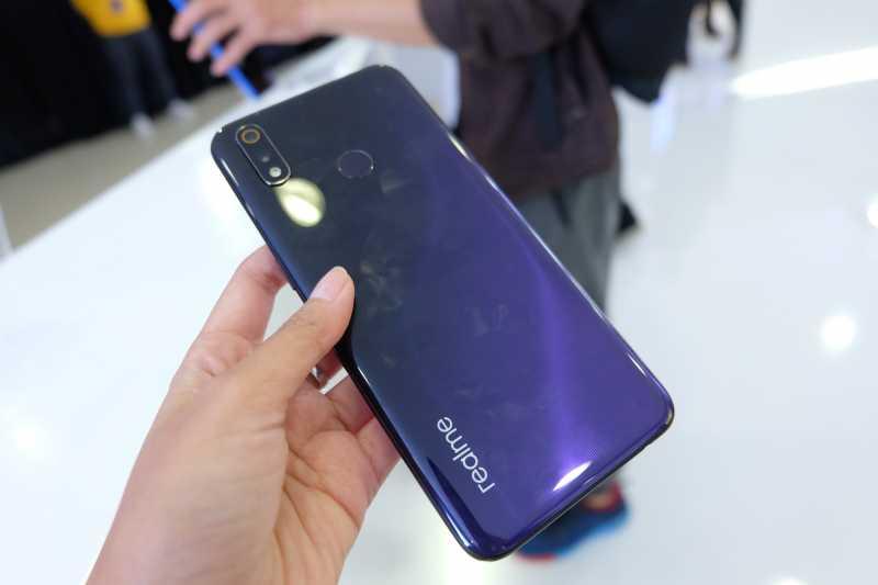 Resmi Meluncur Ini Harga Dan Spesifikasi Realme 3 Pro Uzone