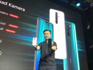 Country Director Xiaomi Indonesia yang baru, Alvin Tse memperkenalkan Redmi Note 8 dan 8 Pro di Jakarta, Kamis sore (17/10).