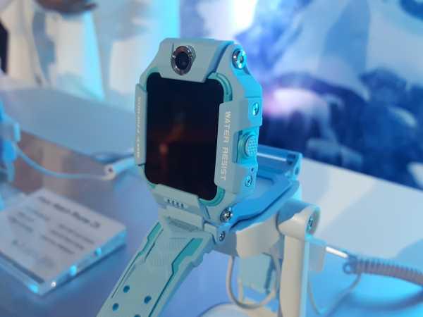 Gandeng Titi Kamal imoo Watch Phone Z6 Rilis Edisi Frozen II