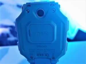HD Video Call-One More Step Towards Safety. Fitur kamera belakang bisa bikin orangtua merasa lebih aman karena bisa lihat kondisi sekeliling secara 360 derajat.
