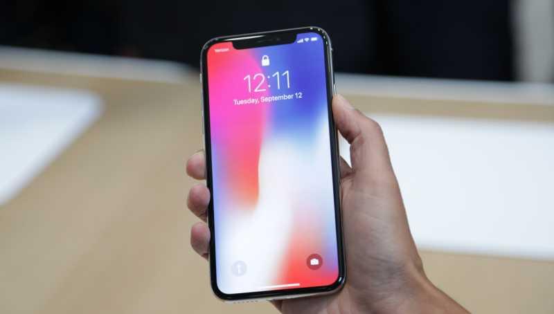 Ponsel Pintar Kini 'Berponi', Semua Gara-gara iPhone X?