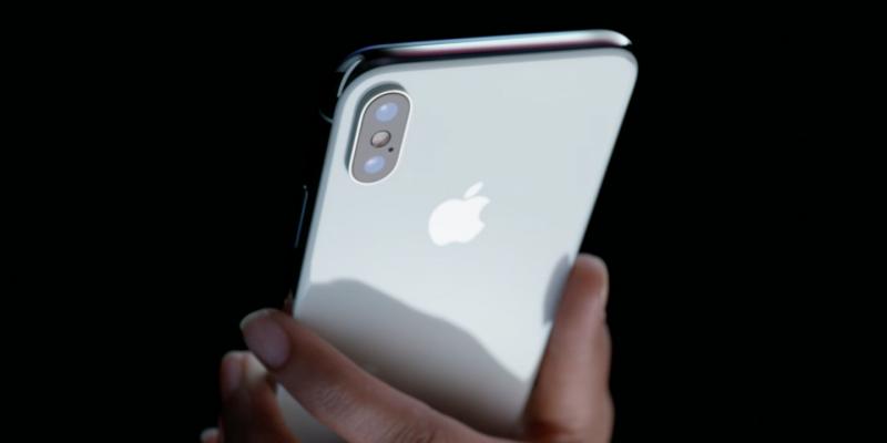 Wanita ini Jual Keperawanan demi iPhone 8