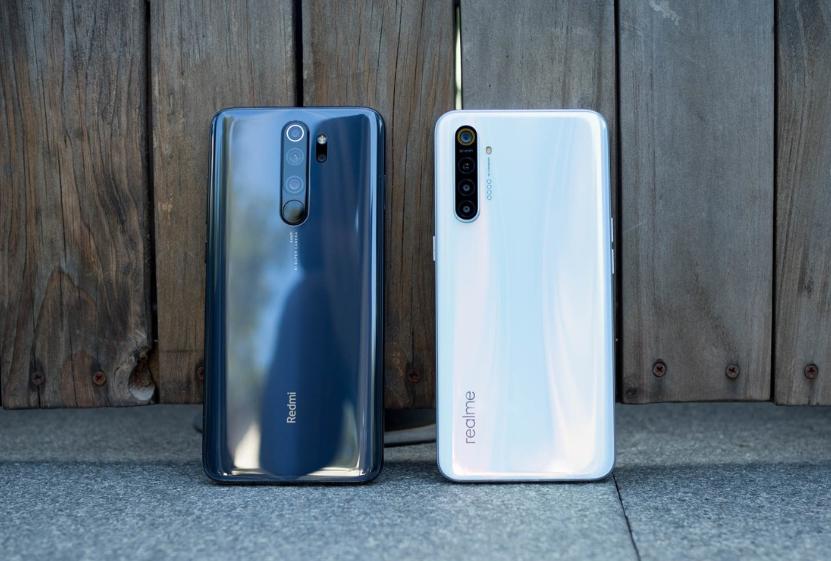 Perang Ponsel Berkamera 64MP: Realme XT vs. Redmi Note 8 Pro