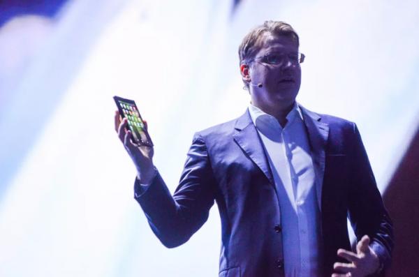 Ponsel Lipat Samsung Resmi Diluncurkan, Harganya Bikin Terkejut
