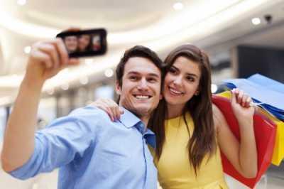Selfie Lima Kali Lebih Mematikan dari Serangan Hiu