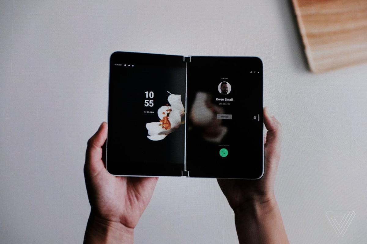 Peluncuran Ponsel Layar Lipat Android Microsoft Diundur