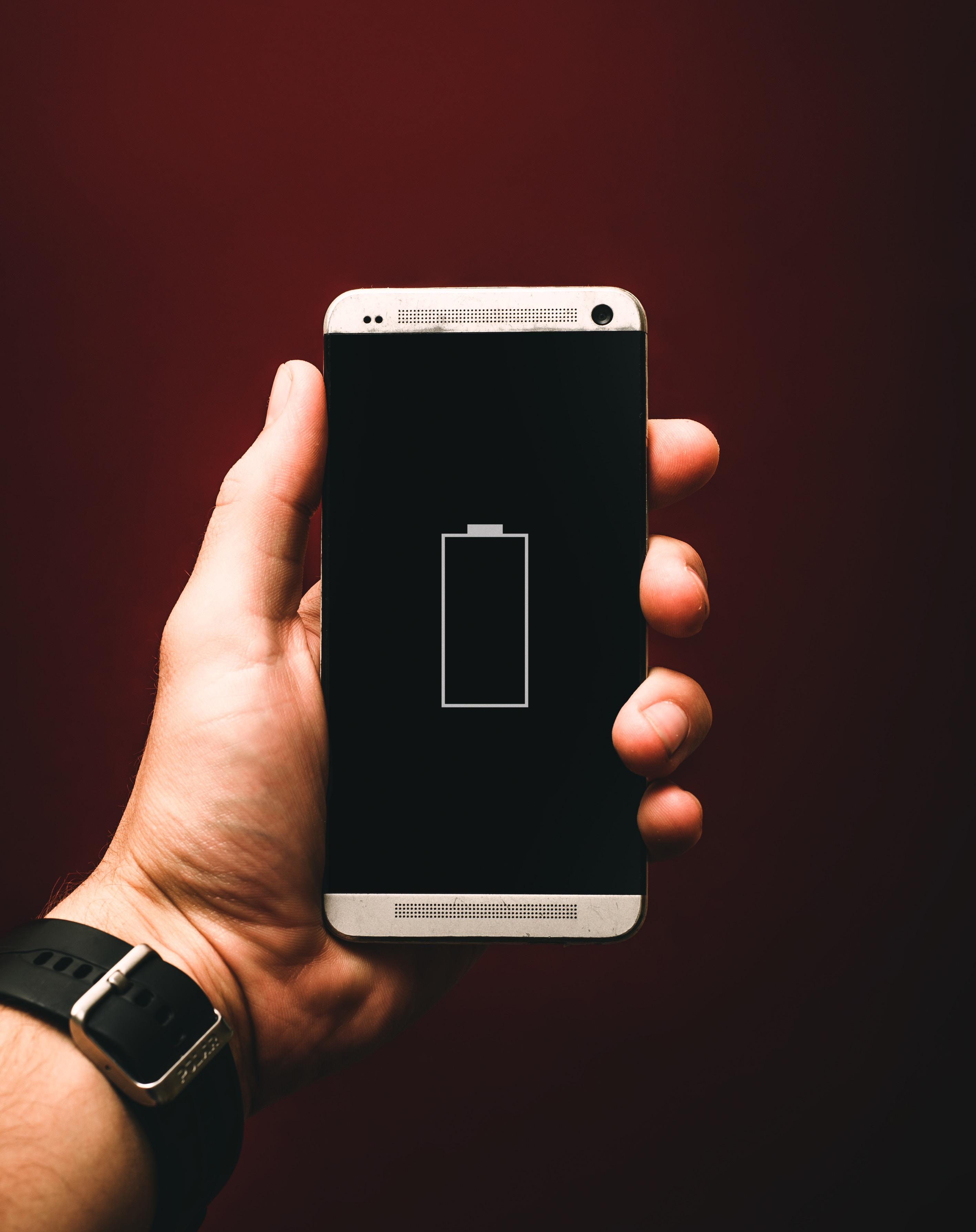 6 Tips Agar Baterai Ponselmu Tetap Hemat Saat Perjalanan Mudik