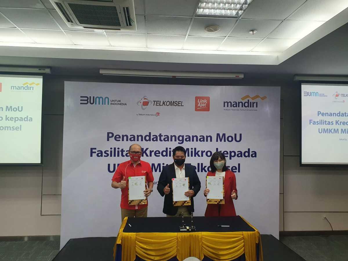 Mitra UMKM Telkomsel Dapat Bantuan Kredit dari Bank Mandiri