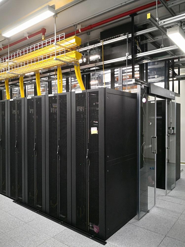 Foto 2 - Data center baru 3 Indonesia di Malang tingkatkan kecepatan dan kapasitas internet 3 di Jawa Timur