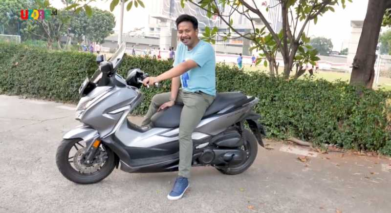 VIDEO: Test Ride Review Honda Forza 250