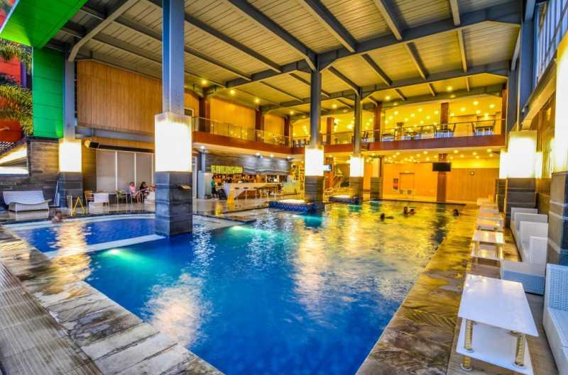 5 Hotel Ada Kolam Renangnya di Bawah Rp 500 Ribu di Bandung