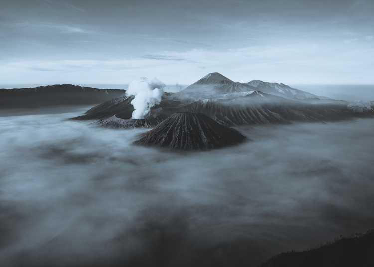 Meski Terus Erupsi Gunung Bromo Tetap Aman untuk Dikunjungi