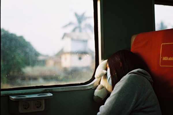 Bikin Terenyuh, Pelayanan Kondektur dan Pemeriksaan Kesehatan di Kereta