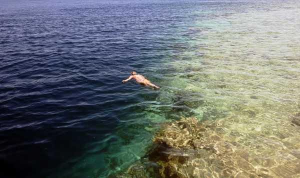 4 Rekomendasi Pantai Kece di Maluku
