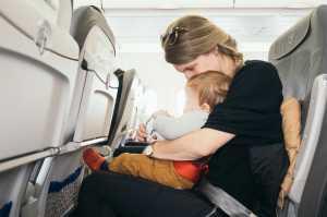 Ini yang Harus Dilakukan Ketika Bayi <i>Nangis</i> di Pesawat