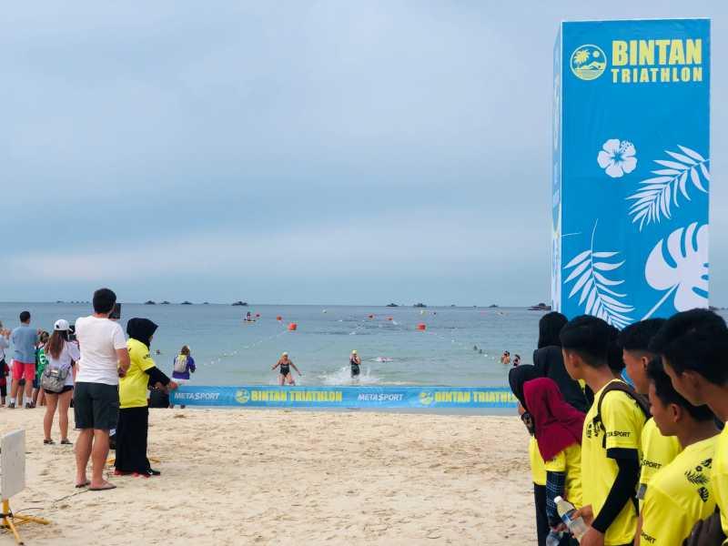 <i>Nonton</i> Olahraga sambil Wisata di Bintan Triathlon 2019