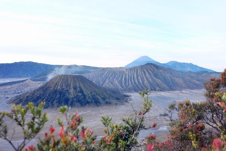 <i>Travel+Leisure</i> Rilis Daftar Pulau Terbaik di Dunia, 3 Pulau di Indonesia Ini Menempati Peringkat Teratas