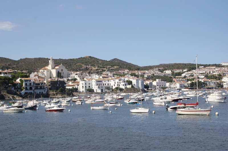 Coba Ajak Pasangan Kamu ke Cadaqués, Kota Paling Romantis di Spanyol