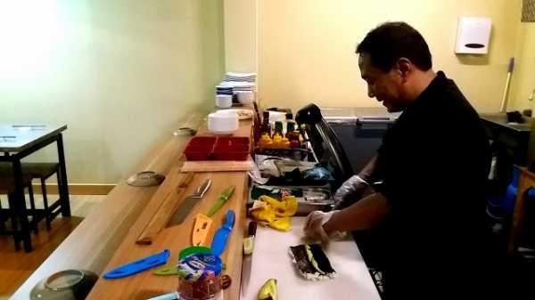 Menikmati Sushi Kelas Dunia di Oshi Sushi