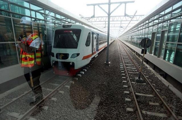 Liburan Akhir Tahun, Ayo Jalan-jalan Naik Kereta Bandara !