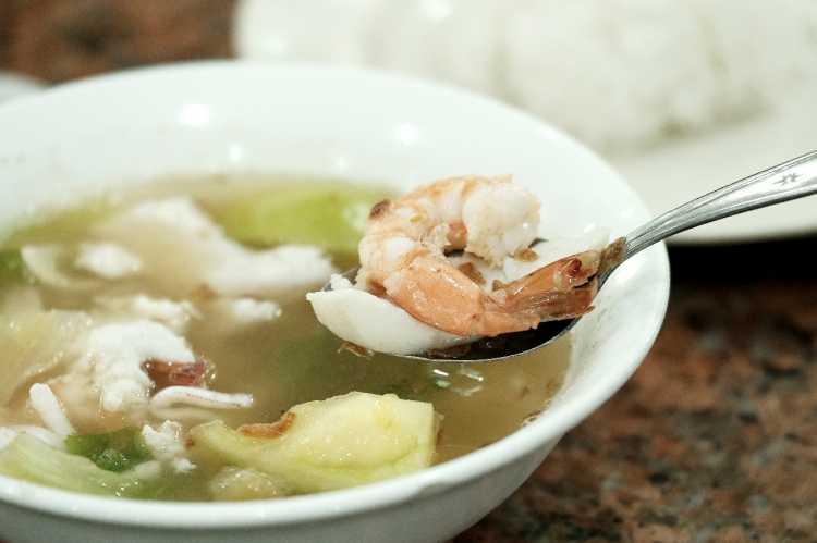 Sup Ikan Yong Kee Kuliner Wajib Coba di Batam